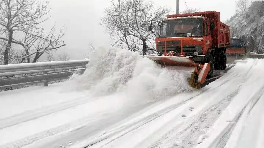 以雪为令,养护jituanchu雪保通畅